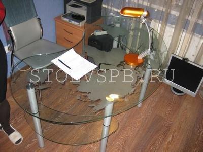 Фигурный компьютерный стол с пескоструйным рисунком