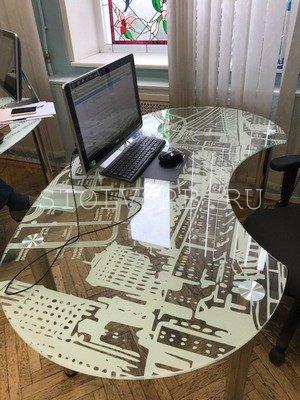 Офисный стеклянный стол с фотопечатью