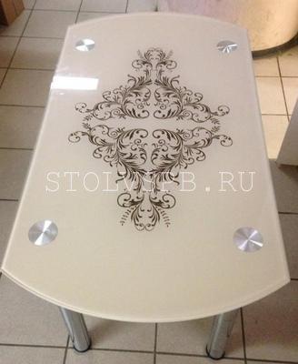 Стеклянный бежевый стол