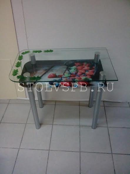 steklannii-stol-klubnica